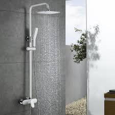 Modernes Badezimmer Duschsystem Mit Weißer Duscharmatur Und Handbrause