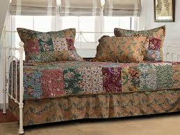 Vintage Bedding Clearance Sale – Ease Bedding with Style & Greenland Home Antique Chic 5-Piece Daybed Set Adamdwight.com