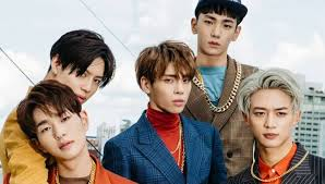 シャイニー) is a four member boy group formed by sm entertainment in 2008. Shinee Pay Tribute To Jonghyun On Third Anniversary Of His Passing