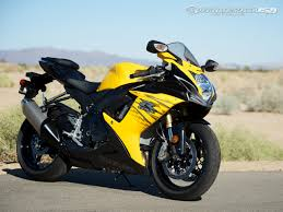 2012 Suzuki GSX-R750 Comparison Photos - Motorcycle USA