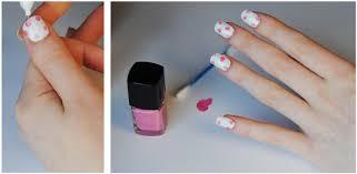 Pretty Floral Nails Tutorial | Hello Gwen