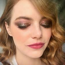 the mauve smoky eye makeup artist rachel goodwin created for emma stone would have been stunning