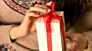 Hostess Gift Hostess Gift Ideas And Etiquette Housewife How Tosar