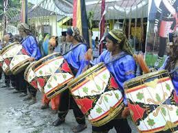 Jenis bunyi yang dihasilkan aramba adalah ideofon. 34 Provinsi Alat Musik Tradisional Dan Cara Memainkannya