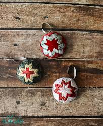 How To Make Faux Quilted Christmas Ornaments   Quilted christmas ... & How To Make Faux Quilted Christmas Ornaments Adamdwight.com