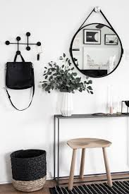 Small Entryway Best 25 Small Apartment Entryway Ideas Only On Pinterest Small