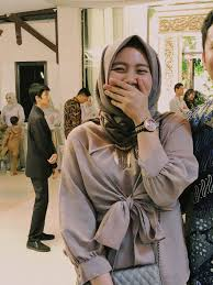 Hijaber wajib punya 6 kebaya modern manis buat kondangan ala selebgram. Ootd Kondangan Feminin Hijab Gambar