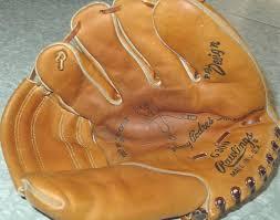 baseball glove chair rawlings