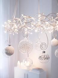 39 Christmas Chandeliers And Chandelier Decor Ideas - DigsDigs