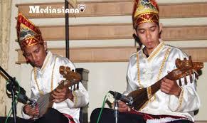 Alat musik kendang atau gendang. 10 Alat Musik Tradisional Provinsi Kalimantan Selatan Mediasiana Com Media Pembelajaran Masakini