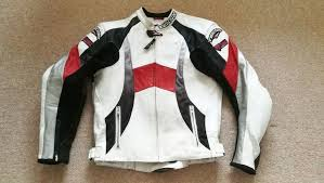teknic chicane motorbike leather jacket in very good condition size uk 46