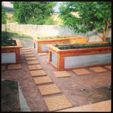 galvanized raised bed galvanized steel and cedar raised garden beds round galvanized raised garden beds