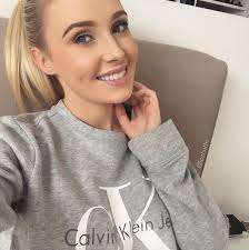 when it es to beauty gers and vloggers australia has some of the best in the world not only that but there are so many of them you can tune in at