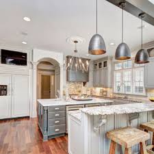 Whether your style is vintage, shabby chic, bright and colorful, or modern, these ideas will help give your kitchen a pop of personality! 75 Beautiful Traditional Kitchen Pictures Ideas May 2021 Houzz