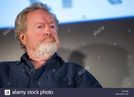 Direttore di film di Ridley Scott partecipa a una sessione di domande e  risposte su Marte e presto per essere rilasciato film 'Il marziano' staring  attore Matt Damon in Regno artista Theatre