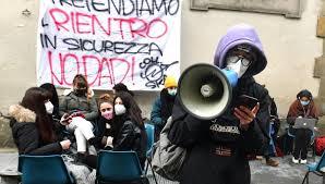 Sciopero della scuola dell'11 gennaio: la protesta tra piazze e pc spenti -  la Repubblica