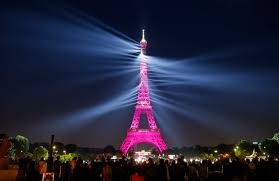 Eiffel Tower Light Show 2017 Visitors Flock To The Eiffel Tower As It Celebrates Turning