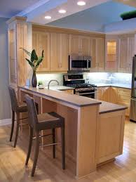 Natural Maple Shaker Kitchen Cabinets