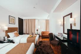 city garden hotel makati the executive deluxe room