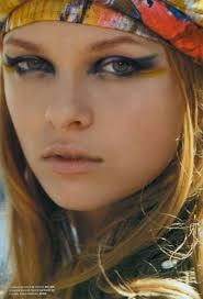 hair gogeous 70s makeup