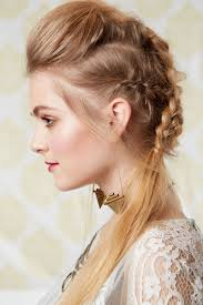 Second Day Curly Hairstyles 9 Cute Easy Hairstyles The Best Hairstyles For Dirty Hair