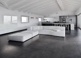 Je kälter der raum unter ihrem wohnzimmer ist, desto mehr kälte strahlen die fliesen ab. 11230 6273011 Jpg 2124 1500 Fliesen Wohnzimmer Wohnzimmer Boden Betonboden Wohnzimmer