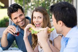 「サンドイッチを食べようとしている子供の写真」の画像検索結果