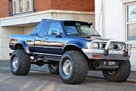 Big Ford Trucks: Advantages and Specialties of 4x4 Pickup Trucks