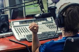 Το πρώτο μαθητικό ραδιόφωνο εκπέμπει για 3η χρονιά!