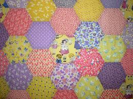 LuAnn Kessi: Hexagon Baby Quilt.......Top Done & 94 Hexagons later. Adamdwight.com