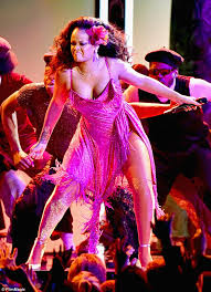 wow rihanna gave it her all in a daring pink dress to sing wild thoughts