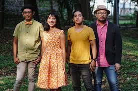 Alhamdulillah#nh_fc#sahabat sejati#semangat#fyp.tik tok malaysia 🥰 ️💜🌹🤗. Bandung Merdeka Com Mocca Luncurkan Video Musik Teman Sejati