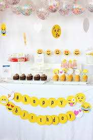 Parties ideas for teenage girls Decoration Ideas Cute Emoji Girl Party Ideas 2minuteswithcom Decorating Cute Emoji Girl Party Ideas 14 Teenage Girl Birthday