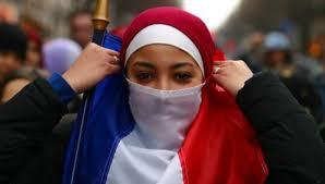 """Résultat de recherche d'images pour """"photos de voilées ceintes du drapeau tricolore"""""""