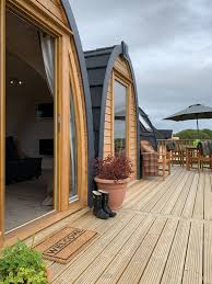 arch leisure camping pods to chalets