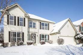 514 carriage way south elgin il 60177