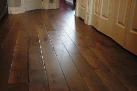 Oak Flooring In Kitchen White Kitchen Cabinets Oak Wood Floors Quicuacom