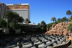 las vegas is the fakest place on earth out baggage