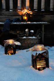 10 DIY Christmas Lanterns For A Holiday Ambience - Shelterness