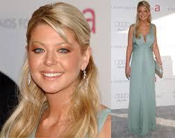 best makeup for light blue dress