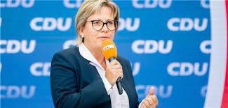 Landrat andreas ebel (cdu) trifft auf tilman kuban, dem bundesvorsitzenden der jungen union, zum talk in isenbüttel. Ac1ods9xwk5kzm
