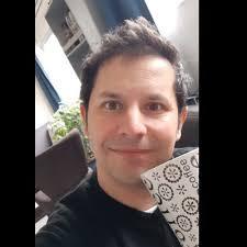 "Fernando Porter Z.🇨🇱🇮🇹 on Twitter: ""🙂 // 🤓 #CuarentenaTotalsantiago  #QuedateEnCasa #andopuroweiando #toyaburrio… """