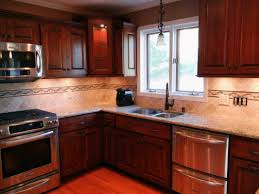 Kitchen Tile Backsplash With Cherry Cabinets