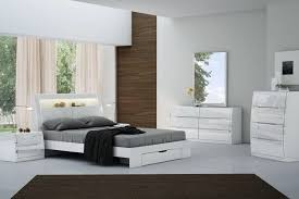 WHITE GLOSS QUEEN BEDROOM FURNITURE WITH LED LIGHTS