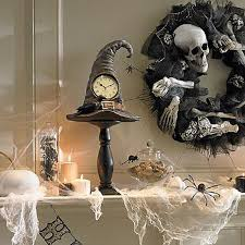40 Spooky Halloween Table Decorating Ideas for Your Stylish Home_08