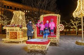 Downtown Milwaukee Christmas Lights Milwaukee Holiday Lights Festival 2019 In Midwest Dates Map