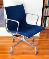 management chair herman miller. vintage eames aluminum group management chair herman miller 4-star base blue fabric management chair