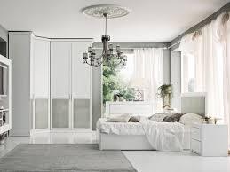 Camera matrimoniale bianca