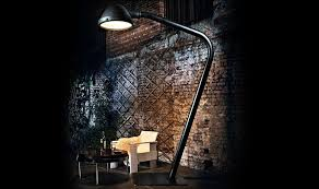 the outsider outdoor floor lamp in action