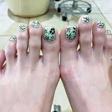 50 Cute Summer Toe Nail Designs To Flaunt Pretty Nails